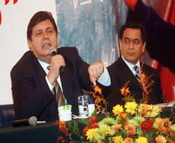 """Presidente Alan García y el Ministro José Chang ceremonia inaugural del foro: """"Por un Perú Libre de Analfabetismo"""""""