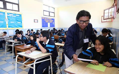 Colegios públicos y privados deben reservar vacantes para niños y niñas con discapacidad