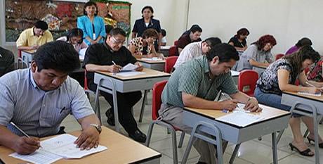La palabra 129 mil profesores participaron en primer for Concurso para profesores