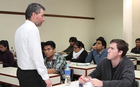 Maestr as realizadas en el extranjero son v lidas para ser for Funcionarios docentes en el exterior