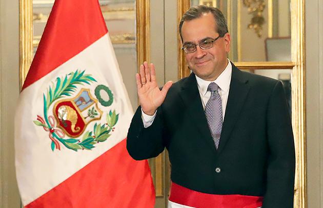 Condecorando a Saavedra – José Alejandro Godoy